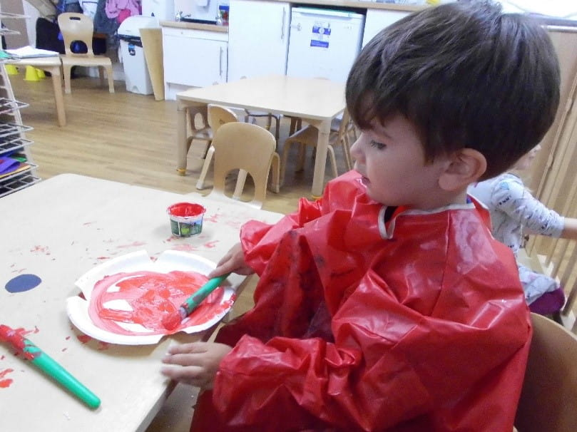 Raynes Park children make their own poppies