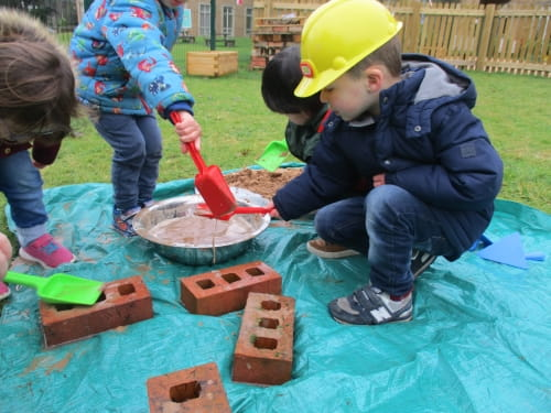 Construction Play at Rosehill Day Nursery and Preschool