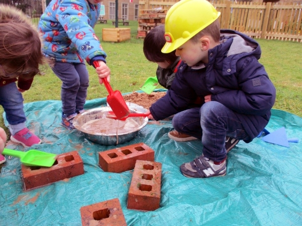 Learning about construction at Rosehill Day Nursery and Preschool