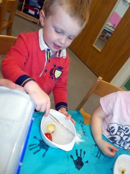 Dyce nursery children embrace apples experiment