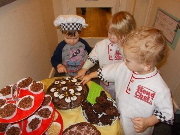 east greenwich cake sale