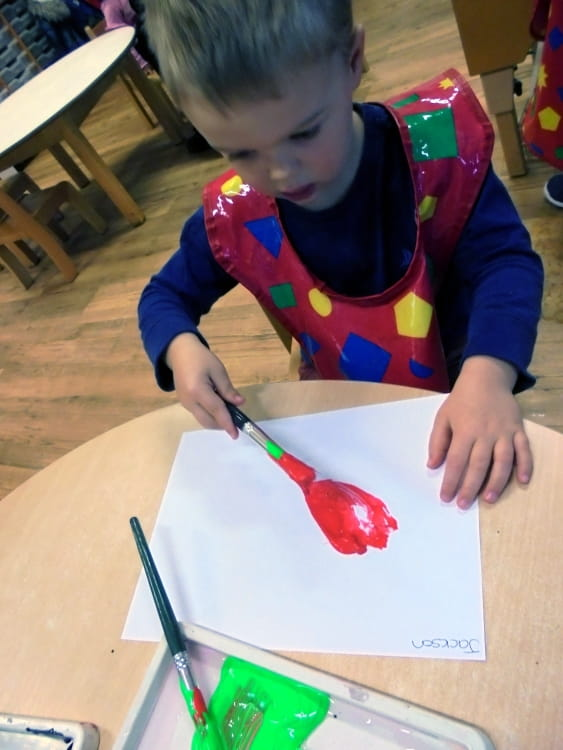 Englefield Green children paint poppies for Remembrance Day